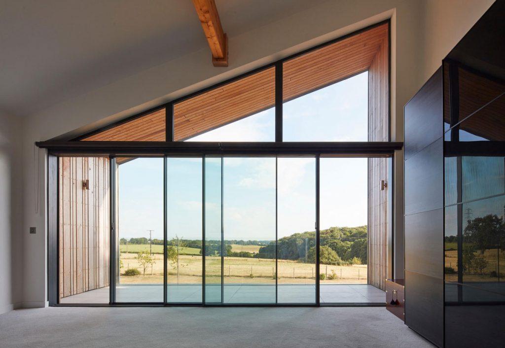 pasívny rodinný dom s presklenou časťou orientovanou na juh