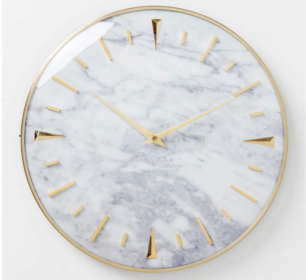 nástenné hodiny s mramorovým číselníkom