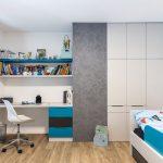 detská izba v minimalistickom štýle s nábytkom v bielo-modro-sivej kombinácii