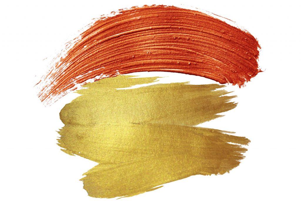 zlatá a medená farba pre kombinovanie s koňakovou