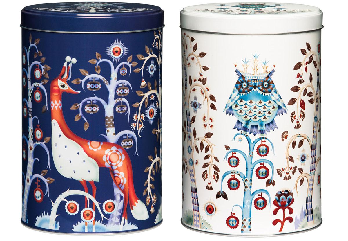 plechové vianočné dózy v bielej a modrej farbe s motívom zvierat od značky Littala