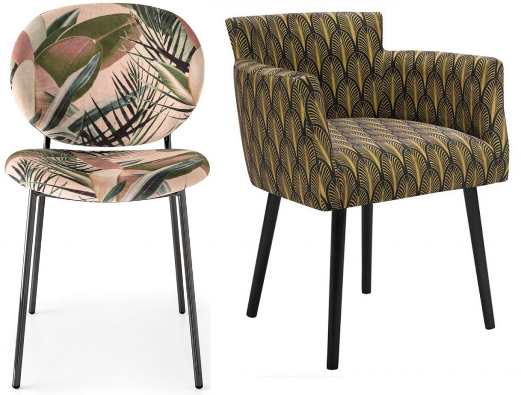 vzorované jedálenské stoličky s poťahmi s florálnymi vzormi