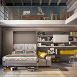 Obývačka , spálňa a pracovňa v jednom, so sklápacou posteľou a pracovným kútom.