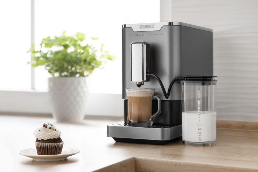 Recepty z kávy: automatický kávovar espresso/cappucino SENCOR SES 9010CH
