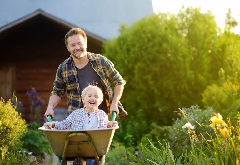8 inšpirácií, vďaka ktorým si vašu záhradu viac užijete a bude praktickejšia na údržbu