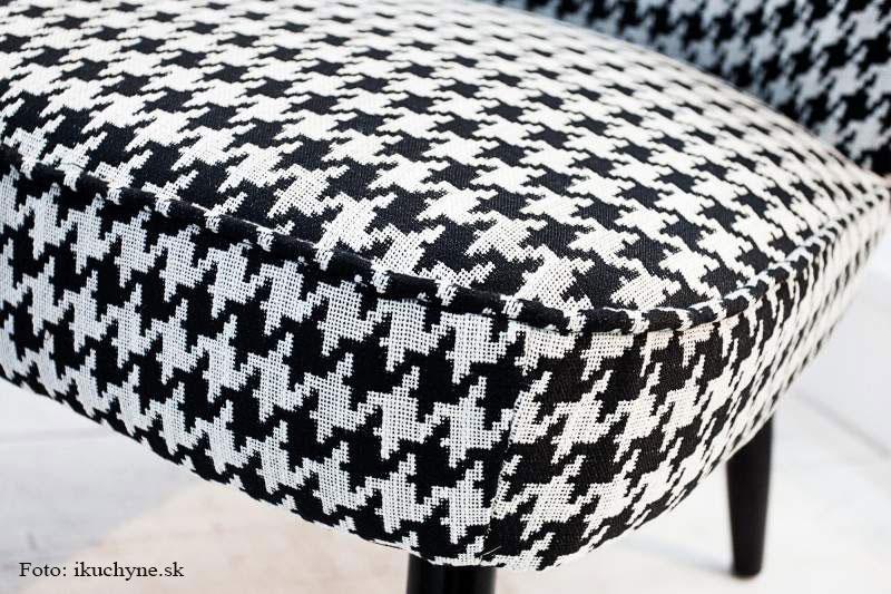 stolička s kohúťou stopou