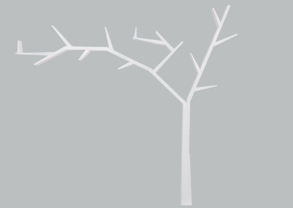 úložné priestory: polica v tvare stromu.