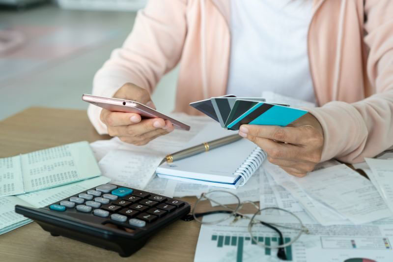 ako správne hospodáriť s rodinným rozpočtom: Konsolidovanie dlhov.