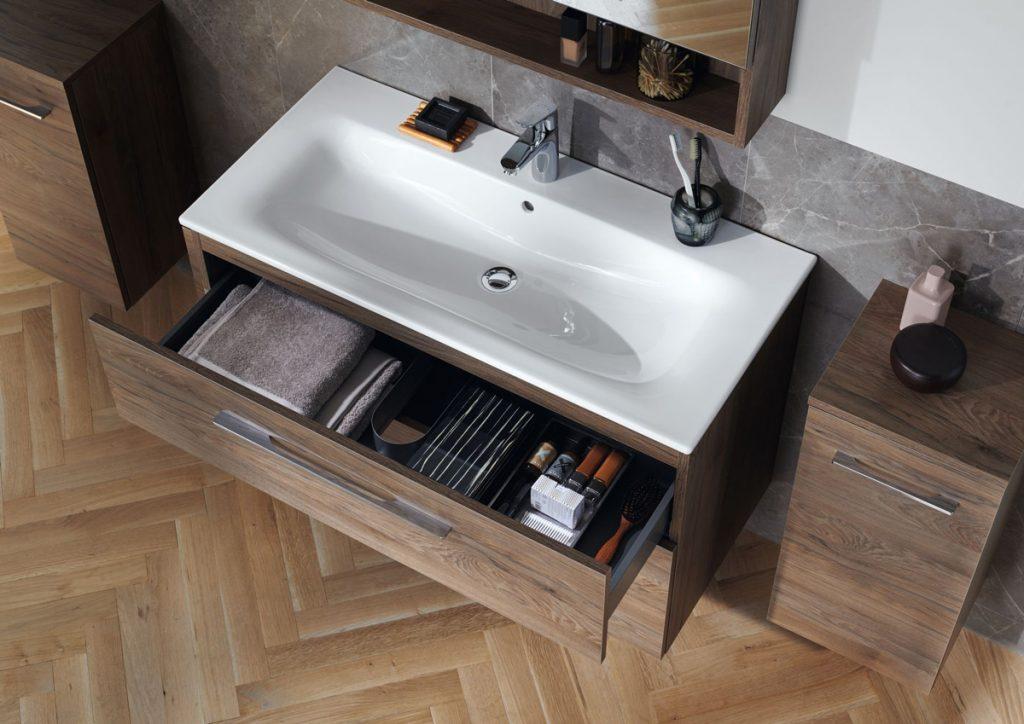 Modulárny kúpeľňový nábytok Geberit, umývadlo a skrinky
