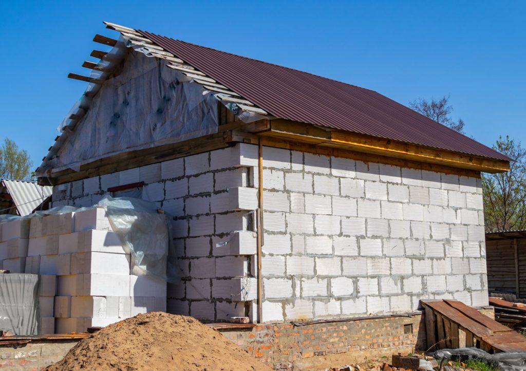 Stavba domu: Zvoliť jedno- alebo viacvrstvové murivo?