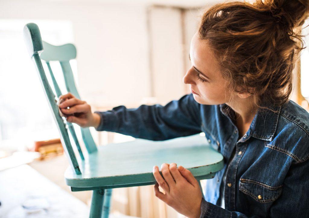 Takto jednoducho dodáte šmrnc nábytku, ktorý by ste inak možno vyhodili