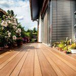Trendy v terasách: Terasa s imitáciou drevenej podlahy.