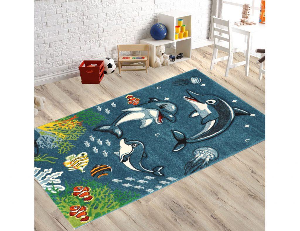 Detská izba s kobercom s motívom mapy delfínov
