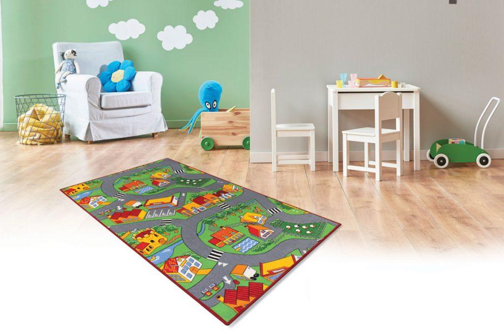 Detská izba s kobercom s motívom mestečka