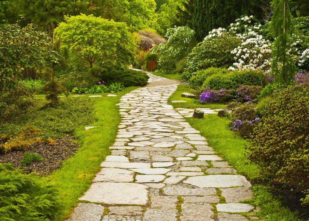Trendy v záhradných chodníkoch a terasách: záhradný kamenný chodník