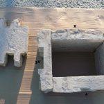 stavba betónového plota: Zloženie obdĺžnikov na stĺpiky