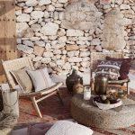 Terasa zariadená v prírodnom štýle inšpirovaná Stredomorím