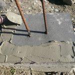 stavba betónového plota: Nanášanie lepidla