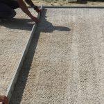 kladenie betónových platní na štrkové lôžko: Dosypanie