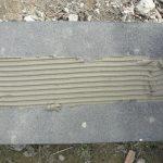 stavba betónového plota: Lepenie múrika