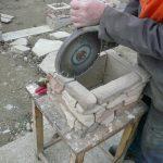 stavba betónového plota: Výrez pre pásovinu