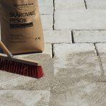 kladenie betónových platní na štrkové lôžko: Škárovanie