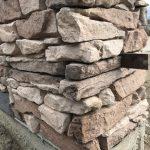 stavba betónového plota: Osadenie pásoviny
