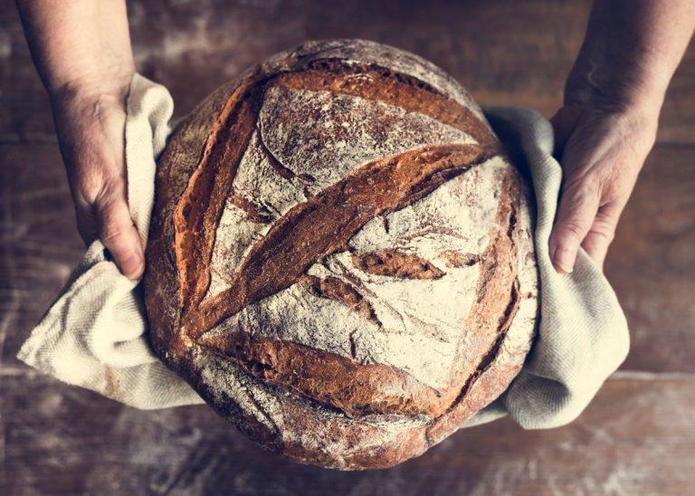 6 kuchynských vychytávok, ktoré by ste mali poznať, ak ste prepadli pečeniu chleba
