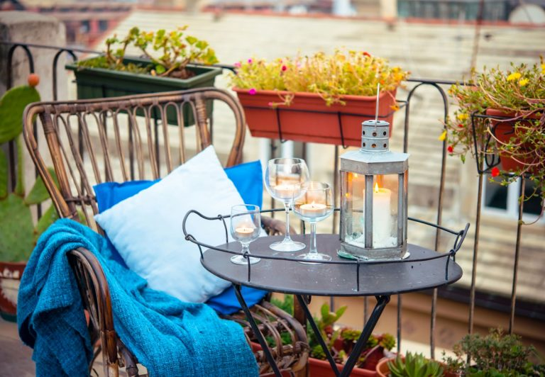 Využite priestor terasy či balkóna na vytvorenie oddychovej zóny
