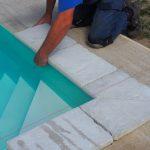 lepenie bazénového lemu a platní: položenie nasucho
