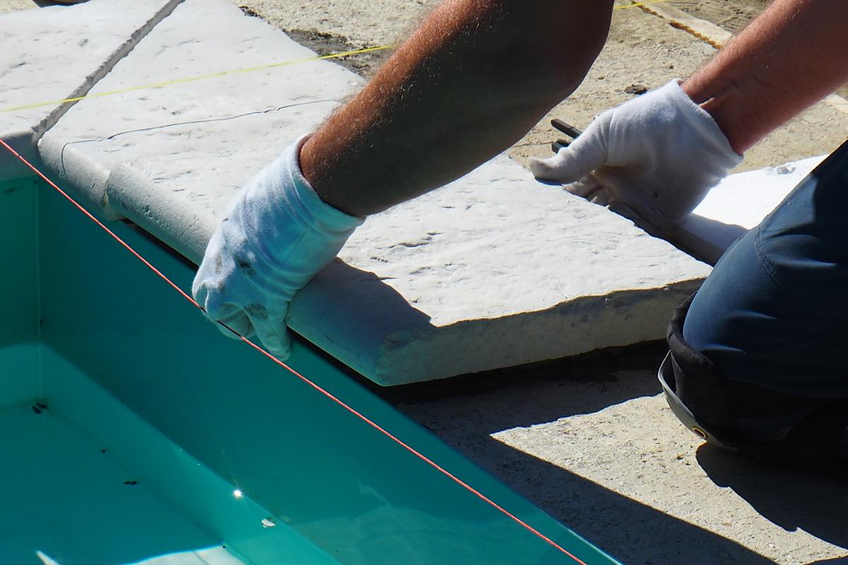 Hotový bazénový lem a platne