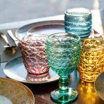 súprava farebných pohárov na vodu