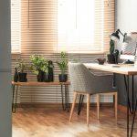 Interiér s bambusovými žalúziami