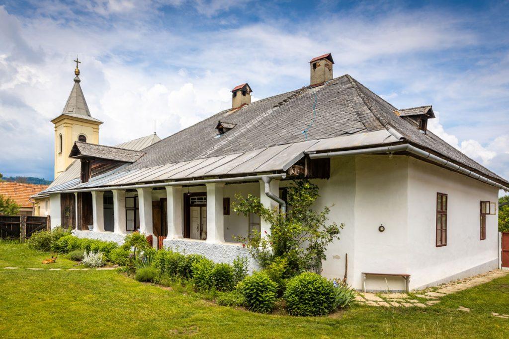 Bývalá evanjelická fara v Beluji, dnes slúžiaca ako múzeum a bývanie jej majiteľov