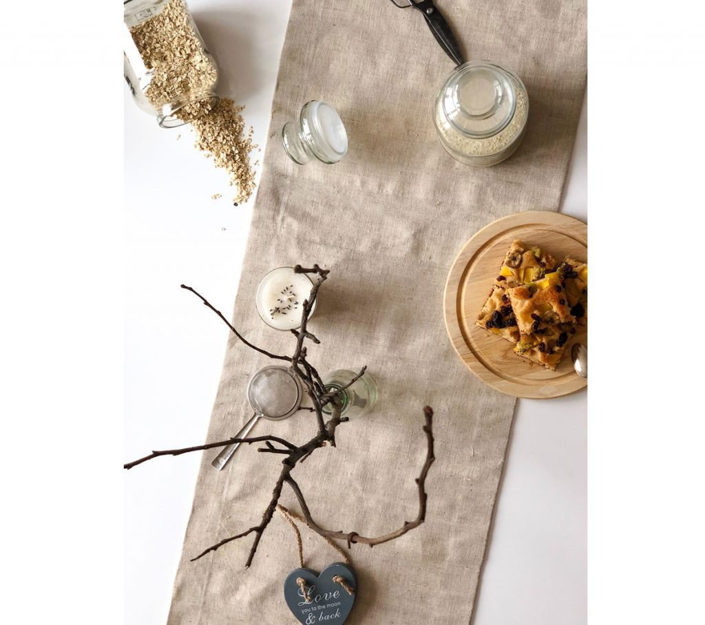 štóla na stôl z ľanového plátna, ručná slovenská výroba