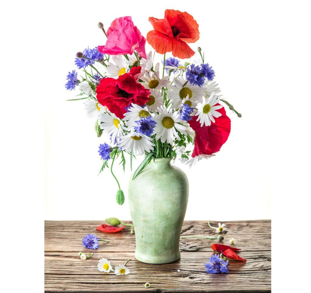 Ako využiť vodku v domácnosti: čerstvé kvety vo váze