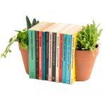 terakotová zarážka na knihy v tvare kvetináča