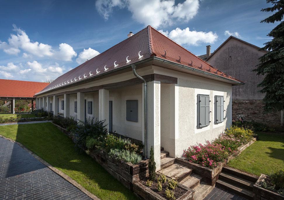 dom so sanačnými omietkami proti vlhkosti
