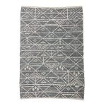 sivý vzorovaný koberec