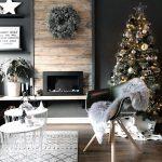 Inšpirácie na vianočný stromček: Stromček zladený so štýlom obývačky v čierno-bielej kombinácii
