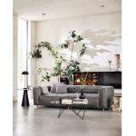 Botanický štýl v interiéri: Obývačka s výrazným rastlinným solitérom
