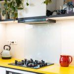 Žltá kuchynská pracovná doska zumelého kameňa