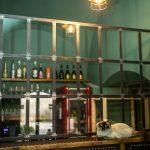 Kaviareň Ragdoll Café: Detail mačacej kaviarne s jej obyvateľom