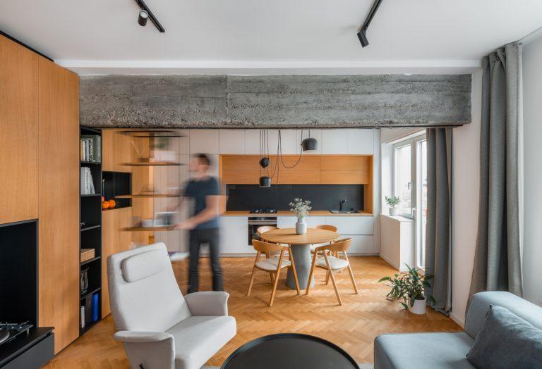 Najobľúbenejšie interiéry roka 2020: industriálny byt plný nevšedných riešení