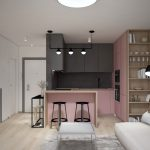 Dizajnérske riešenie malého bytu s ružovou minimalistickou kuchyňou