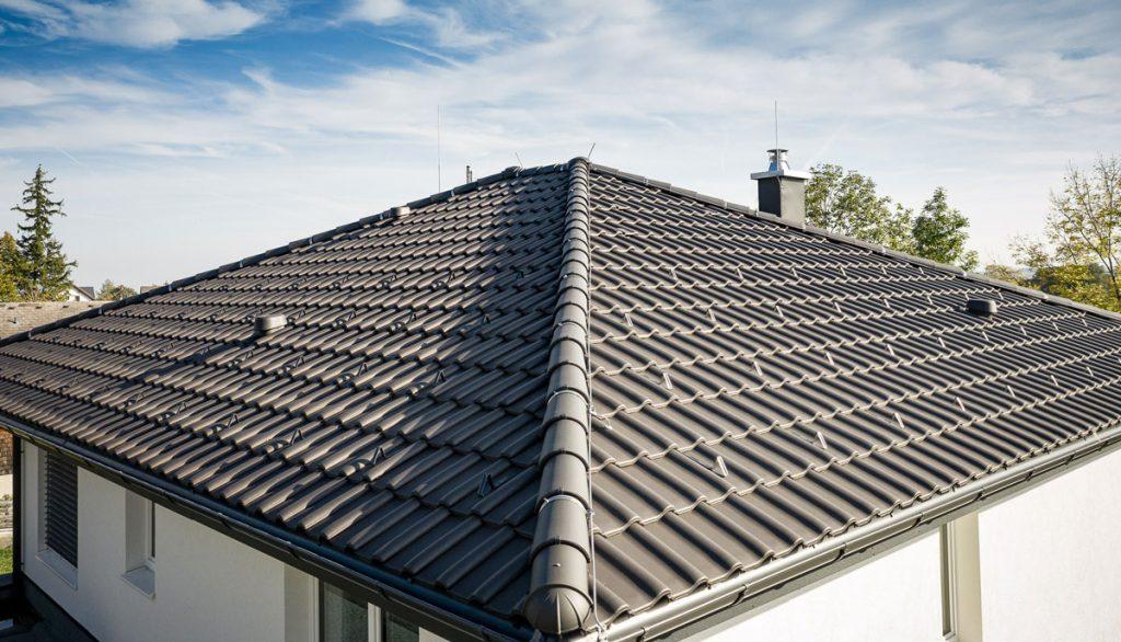 súťaž s Wienerberger o najkrajšiu šikmú strechu Tondach: čierna strešná krytina