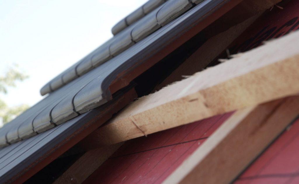 súťaž s Wienerberger o najkrajšiu šikmú strechu Tondach: pokládka krytiny