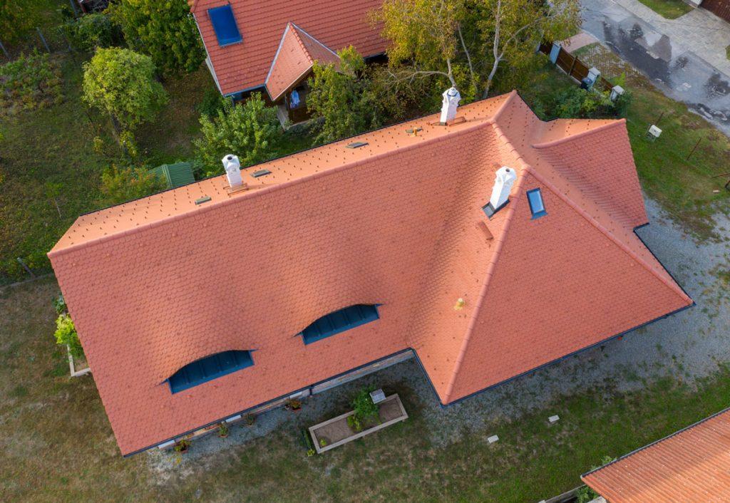 súťaž s Wienerberger o najkrajšiu šikmú strechu Tondach: strecha rodinného domu zhora