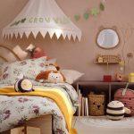 Farebné interiérové trendy: Odtieň kakaovej na stenách detskej izby