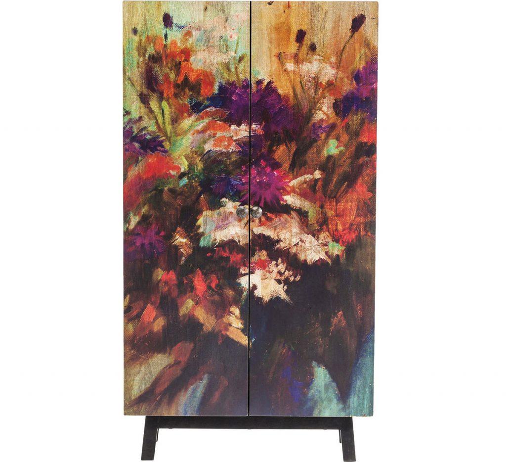 tipy na zmenu v interiéri pre menší aj väčší rozpočet: skriňa z mangového dreva s motívom maľby kvetov